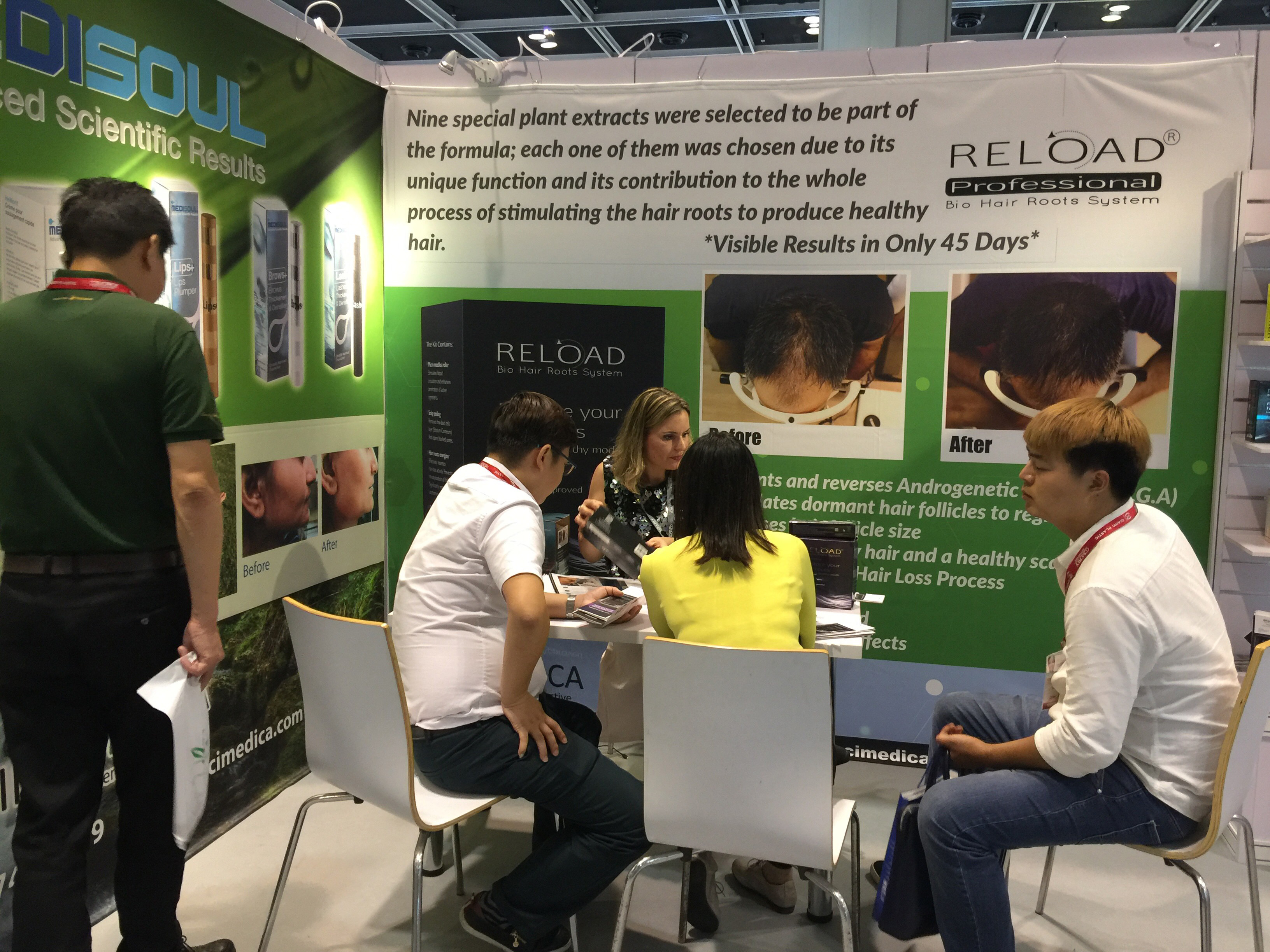 INCI MEDICA Team At The Cosmoprof Hong Kong 2016 Tradeshow. November 2016